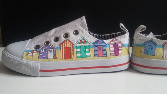 low rise shoes with beach hut design